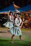 Prestazioni aborigene di canzone e di ballo di Saipan immagini stock