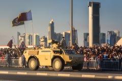 Presteer van militaire en burgerlijke voertuigen op Nationale de Dagparade Doha, Qatar van Qatar stock foto's