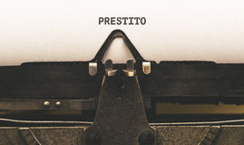 Prestito, texto italiano para o empréstimo no tipo escritor do vintage desde 1920 Fotos de Stock