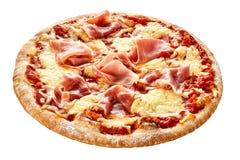 Presunto de parma curado em uma pizza italiana tradicional fotografia de stock royalty free