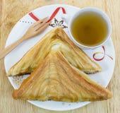 Presunto do sanduíche e chá quente Fotografia de Stock Royalty Free