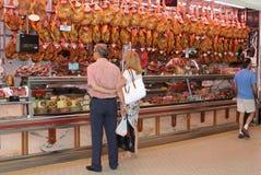 Presunto espanhol no mercado central, Espanha Foto de Stock