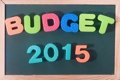 Presupuesto colorido 2015 de la palabra en el tablero negro como fondo Fotografía de archivo libre de regalías