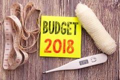 Presupuesto 2018 Concepto de la salud de la aptitud del negocio para el backgroun de papel vacío escrito planeamiento de la nota  Foto de archivo libre de regalías