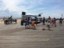 Pret op Coney Island-Promenade Stock Afbeeldingen