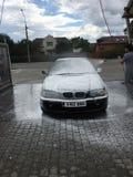 Preto da lavagem de carros do Bmw imagens de stock