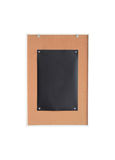 Preto do papel no signage de madeira da placa imagens de stock royalty free