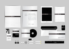 Preto e branco com molde da identidade corporativa do triângulo para seu negócio Fotos de Stock
