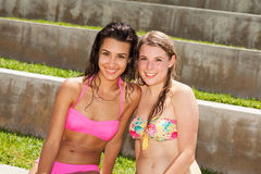 Pretty blonde and brunette young women Stock Photography