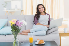 Pretty brunette relaxing at the weekend Royalty Free Stock Images