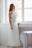 Pretty brunette in white wedding dress Royalty Free Stock Photos