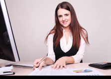 Pretty business woman working Royalty Free Stock Photos
