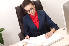 Pretty business woman working in the office Royalty Free Stock Photography