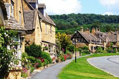 Pretty cottages, Broadway. Pretty cottages built from Cotswold stone along High Street, Broadway, Cotswolds, Worcestershire, England, UK, Western Europe stock photography