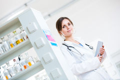 Pretty, female doctor in a hospital lab Royalty Free Stock Photos