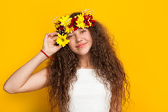 Pretty girl posing with flower crown Royalty Free Stock Photography