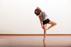Pretty Hispanic jazz dancer Royalty Free Stock Photo
