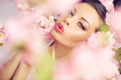 Pretty lady making the kiss gesture Royalty Free Stock Photography