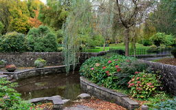 Pretty landscaped garden Stock Photos
