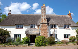 A pretty thatched cottage in Otterton, Devon, UK Stock Photos