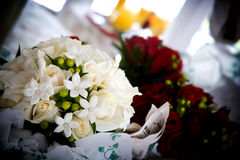 Pretty white wedding bouquet of flowers Royalty Free Stock Photos