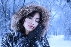 Pretty woman in winter clothes Royalty Free Stock Photos