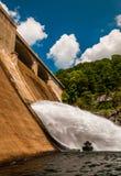 Prettyboy水坝,沿火药在巴尔的摩县, Maryl落 库存照片