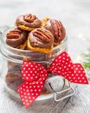 Pretzel πεκάν καραμέλας σοκολάτας δαγκώματα στοκ εικόνα με δικαίωμα ελεύθερης χρήσης
