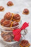Pretzel πεκάν καραμέλας σοκολάτας δαγκώματα στοκ φωτογραφία με δικαίωμα ελεύθερης χρήσης
