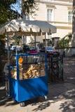Pretzel πωλητής στην πόλη της Κρακοβίας στην Πολωνία Στοκ φωτογραφίες με δικαίωμα ελεύθερης χρήσης