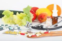 Preventivpillerar och vitamintillägg, madicineterapi arkivfoto