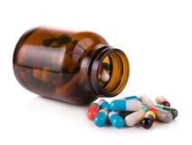 Preventivpillerkapslar som isoleras på vit bakgrund Royaltyfri Fotografi