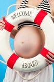 In previsione della nascita del bambino. Gravidanza Fotografia Stock Libera da Diritti