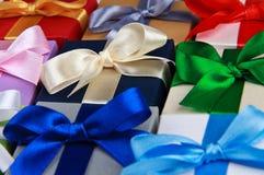 Prezentów kolorowi pudełka Zdjęcia Royalty Free