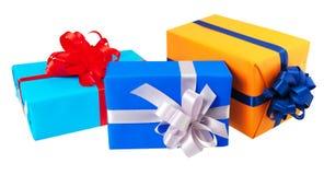 prezentów pudełka zawijający w kolorowym papierze Obraz Royalty Free