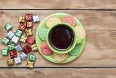Prezentów pudełka z kolorowym ciastkiem Zdjęcie Stock