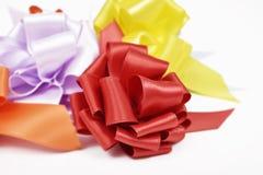 Prezentów tasiemkowi łęki różni kolory Obraz Stock