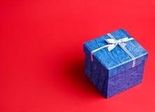 prezent błękitny czerwień obraz royalty free