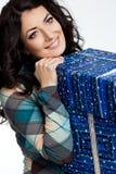 prezent pudełkowata kobieta zdjęcie stock