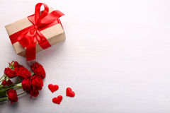prezent pudełkowate róże Obraz Royalty Free