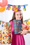 prezent urodzinowa dziewczyna Obrazy Stock