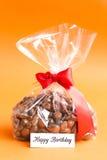 Prezent Urodzinowy, Dragee czekolada z migdałami i Cranberries, Zdjęcie Stock