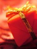 prezent złota czerwony Obraz Royalty Free