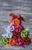 Prezenta faborku łęki tworzy choinki Zdjęcie Royalty Free