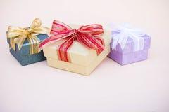 Prezenta pudełka wystrój dla tła s i kopii nowego roku i bożych narodzeń Obrazy Stock