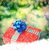 Prezenta pudełko na śniegu obraz royalty free
