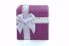prezenta pudełkowaty fiołek Obraz Royalty Free