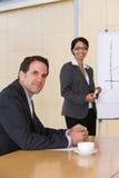 prezentaci biznesowa ufna daje kobieta Zdjęcia Stock