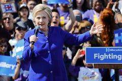 Prezydencka Hillary Clinton Uczęszcza 'Wydostawał się głosowanie' wiec, L obraz royalty free