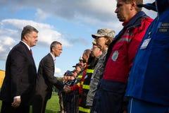 Prezydent Ukraina Poroshenko i NATO-WSKA sekretarka - generał Jens Zdjęcia Stock